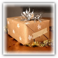 Видео мастер класс.Упаковочная бумага для подарков(2 урока).