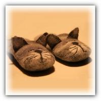 Видео мастер класс.Валяные тапочки — коты.