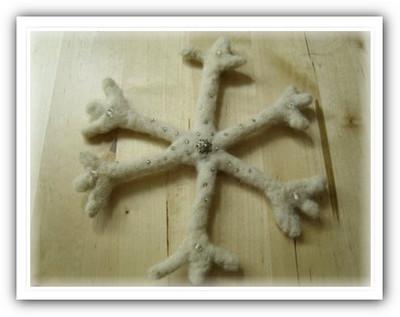 Валяные снежинки своими руками