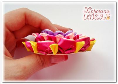 цветок канзаши из атласных лент28