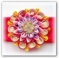 Трёхслойный цветок канзаши