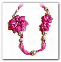 Колье канзаши «Королева розовой весны»